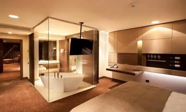 Phòng Tắm Kính Trong Phòng Ngủ 15
